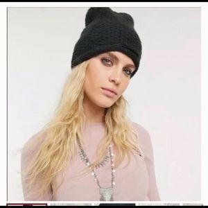 Free People NWT chunky knit black coal beanie